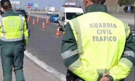 Campaña especial de la DGT contra distracciones al volante en Galicia