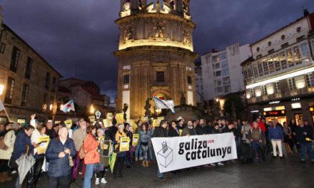 Cargos públicos del BNG participan en una concentración en Pontevedra en solidaridad con Junqueras y los demás condenados
