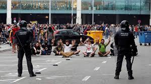 Reacciones a la sentencia del próces: altercados en diversos puntos. Los manifestantes buscaban bloquear los transportes públicos