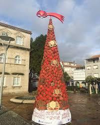Animación navideña: del árbol de centollos de O Grove al abarrote de la noria de Vigo