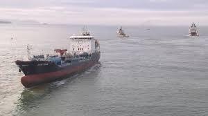 Reflotado y a salvo el buque «Blue Star»
