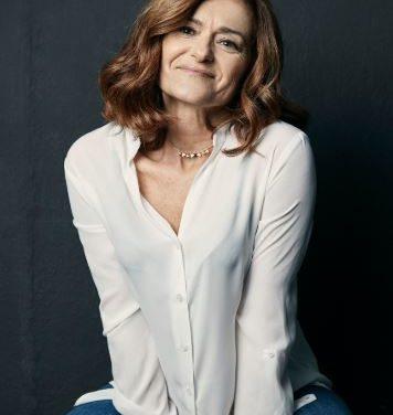 Maria Costas- Actriz e Cantante, esta grabando uhna serie para netflix, e falanos da sua carreira