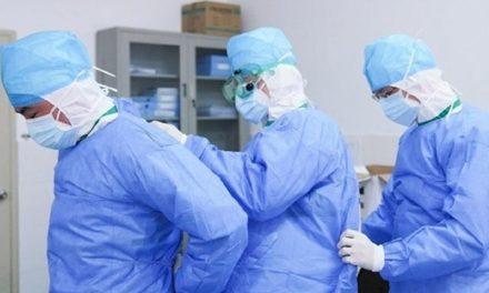 El Colegio de Enfermeros se querella contra Illa, Simón y Sánchez