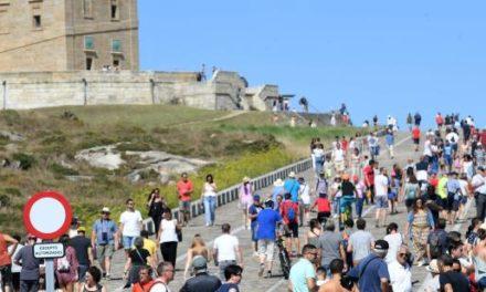 El SERGAS pide a los turistas y viajeros a Galicia que notifiquen su llegada para tener control sanitario