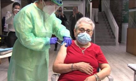 Comienza a inocularse la segunda dosis de la vacuna  en Galicia