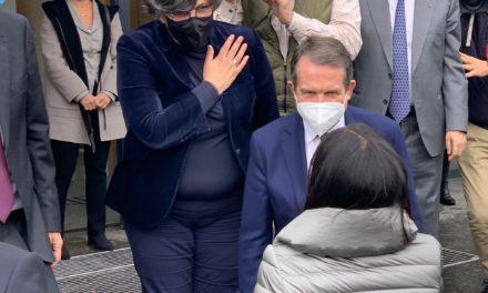 La ministra asegura que la vacuna que se elabora en Porriño será la siguiente en aprobarse